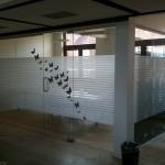 Sandfolie i kontor / men sorte sommerfugle
